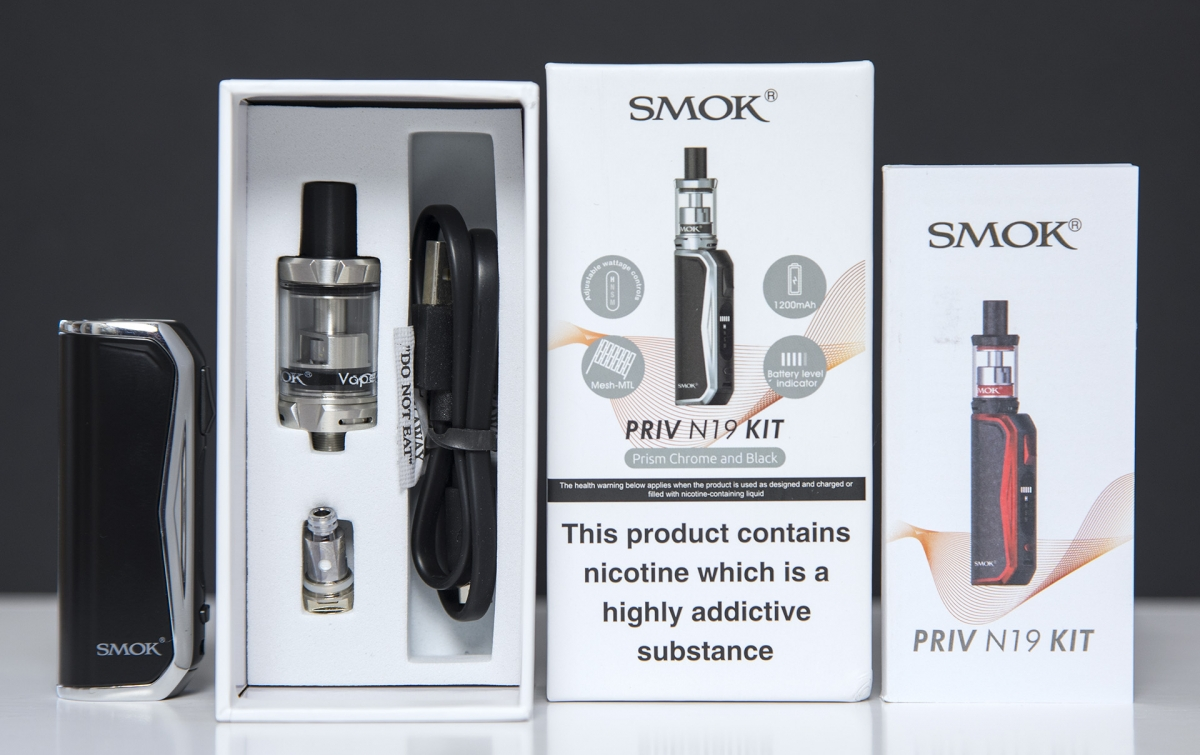SMOK PRIV N19 Kit contents